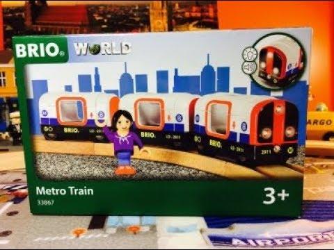 unboxing BRIO 33867 Metro Train (04346)