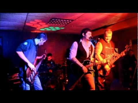 """I Try Again"" Live by MAJINA PROJECT @ Locos Mosquitos Hennebont, Fr 02/25/2012"
