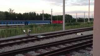 preview picture of video 'ÖBB 1216 mit EuroCity & ÖBB 1116 mit Güterzug in Strasshof'