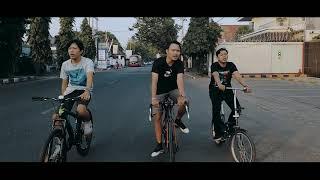 Download lagu Sore Hari Band Hujan Mp3