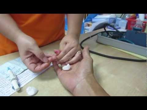 เลือดจากนิ้วมือจะแสดงให้เห็นว่ามีหนอน