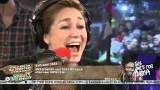 Do(minique van Hulst) - It's Christmas Again + Uitreiking cheque (Live @ Serious Request 2011)