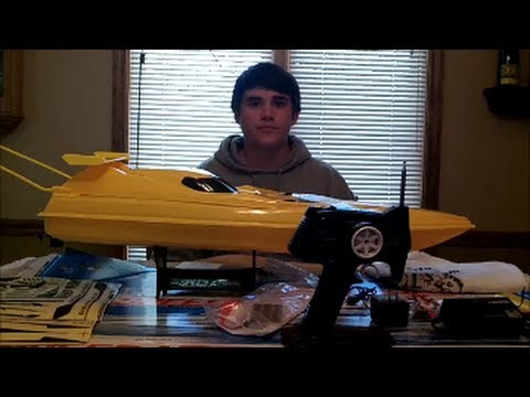 RC FISHING BOAT!!! Unboxing/Review
