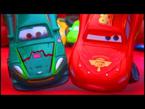 Cars 2 Quick Changers McQueen Nigel Gearsley Crash Damage Disney Pixar Karate-wheels Changer Mattel