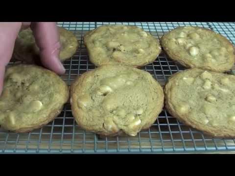 White Chocolate & Macadamia Cookies - Subway Recipe