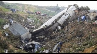 NEW 2013 - RARE LIVE LEAK VIDEO - U.S. Cargo Plane Crashes in Afghanistan Airfield / Killing 7