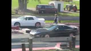 preview picture of video 'Ubly dragway  Chevy Camaro VS  Pontiac Firebird 1/8 mile'
