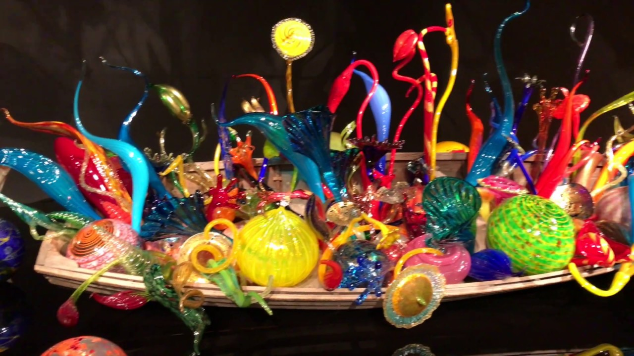 Visit the Chihuly Garden and Glass Museum