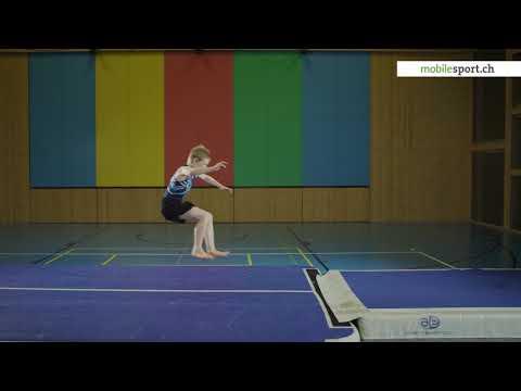 Salto vw. auf Weichbodenmatte – Endform