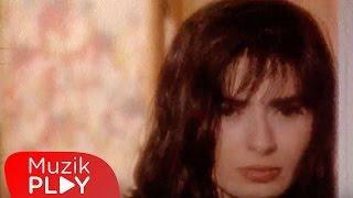 Yıldız Tilbe - Vazgeçtim (Official Video)