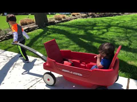 UNBOXING RADIO FLYER WAGON TODDLER /Sister Riding RADIO FLYER Red Wagon Together for The First Time