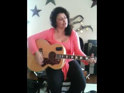 Bernadette sings COAT OF MANY COLORS