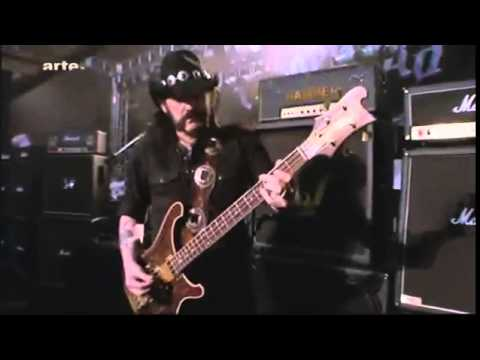Lemmy demonstrating his style of playing bass