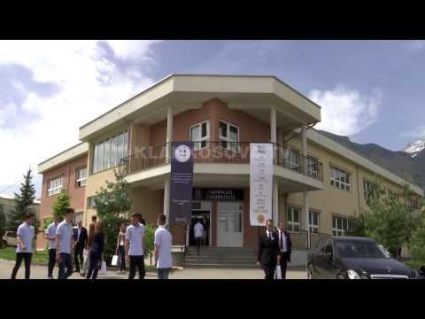 """Gjimnazi """"Cambridge"""" në Pejë festoi 20 vjetorin e themelimit - 28.04.2017 - Klan Kosova"""