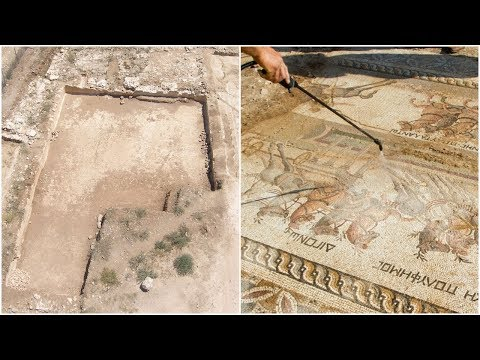 Archaeologists Uncovered This Massive 1,700 Year Old Roman Mosaic, And It's Stunning