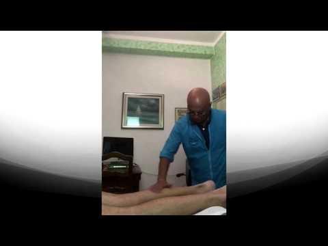 Il dorso ferisce il reparto di petto da quello che aiuta
