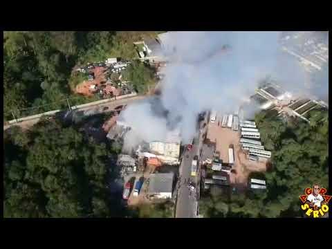Favelacop Sobrevoando o Incêndio na auto peças do Mineiro