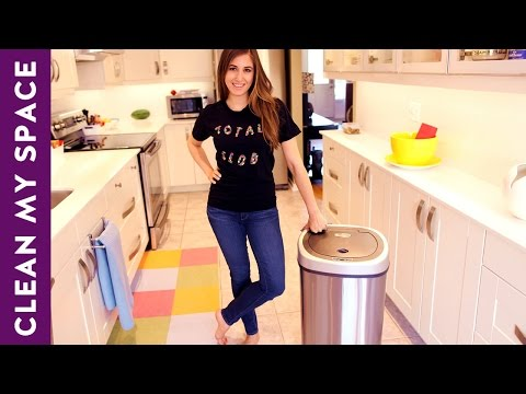 , title : 'How to Clean Your Garbage Can - Indoor & Outdoor (Clean My Space)