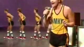 Underworld世界でいちばんダサいBornSlippyフィンランド版YMCA