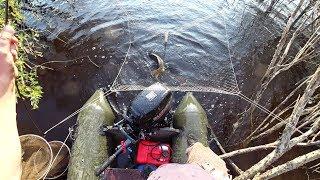 Жесть сазаны чуть не утащили меня с лодки. Рыбалка на паук, подъёмник.