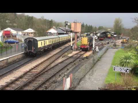 BR Green 09010 (D3721) shunts wagons at Buckfastleigh on the…