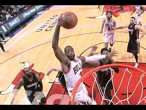 Dwayne Wade Euro Step Dunk Plus The Foul!   |   12.10.16