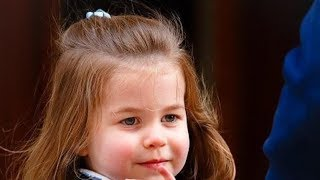 英国夏洛特公主有多呆萌?看了这7张老照片,你就知道了, 王室秘史:英女王默许查尔斯与卡米卡结婚,真正的原由有其三 , 凯特随女王出席活动,时刻想着乔治路易夏洛特,意外透露家庭地位