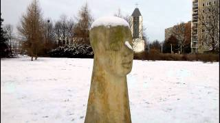 preview picture of video 'Prague : Chodov stronghold : Sculptures : Winter'