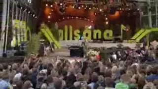 Alexander Rybak trips singing Funny Little World on Allsång på Skansen, Sweden - 14.7.09