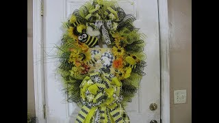 2019, Bumble Bee, deco mesh ,Grapevine Wreath