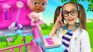 Sasha plays with Mcstuffins Toys on the Farm and takes Care of Pets