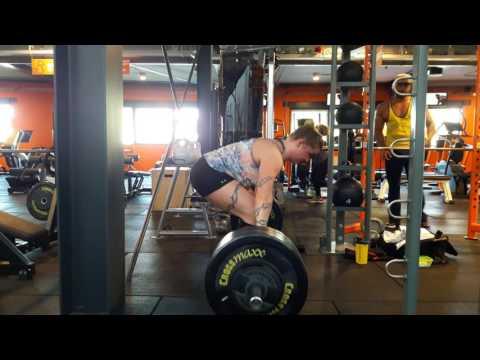 Sanne 115 kg x 3 deadlift wide grip set 2 van 3