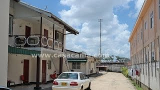 preview picture of video 'Vakantiewoning Studio Appartement Suriname, Paramaribo: Gongrijpstraat B - Holiday House Rental'