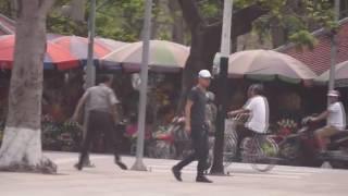 đánh nhau trên đường phố Hà Nội