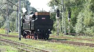 preview picture of video '464.001 przejeżdża przez Suchą Beskidzką - Parowozjada 2008'