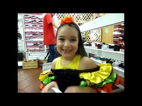 Katy disfrazada de rumbera