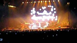 Keyshia Cole - A Different Me (Intro @ The Air Canada Center)
