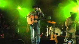 Tracy Byrd & Zona Jones with King of the Road.wmv