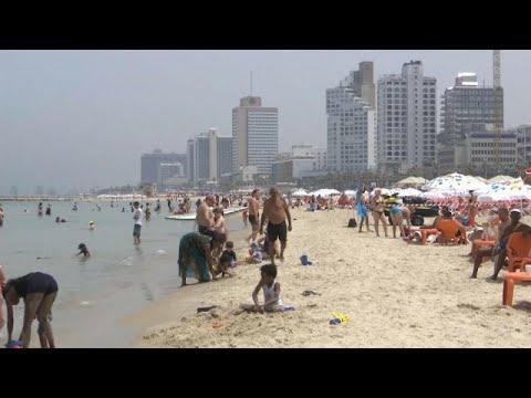 العرب اليوم - مستوطنو إسرائيل يلجأون للشواطئ هربًا من موجة الحر الشديدة