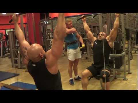 Ćwiczenia z hantlami na skośnych mięśni