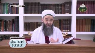Bir Büyük İçeri Girdiğinde Ayağa Kalkmanın İslam'daki Hükmü Nedir?