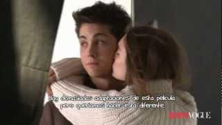 Logan Lerman Teen Vogue Noviembre 2011 Español.