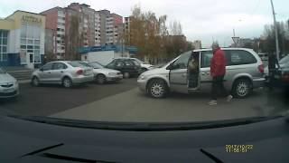 2017 10 22 Невозмутимость 80lv Восток ДТП на парковке
