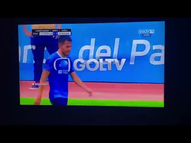 El golazo de Lisandro Alzugaray en la Liga Ecuatoriana