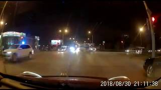 Неожиданное ДТП 30.08.2018 Омск ул. Дианова