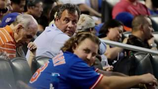 New Jersey Gov. Christie Catches Ball At Mets Game, Gets Booed