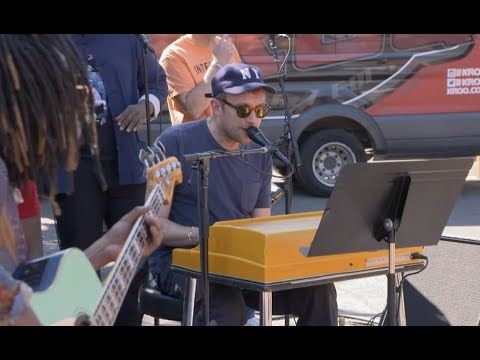 EXCLUSIVE: Gorillaz Street Performance of