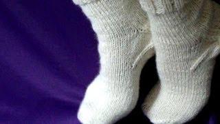 Смотреть онлайн Урок вязания носков спицами