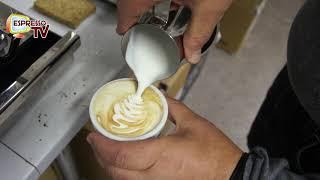 Milch aufschäumen mit einer Einkreis Espressomaschine ECM Classika II