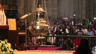 preview picture of video 'Botafumeiro - Santiago de Compostela - Misa del Peregrino - 10/08/2014'